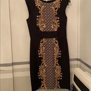 London Times sleeveless sheath black and Gold sz 8